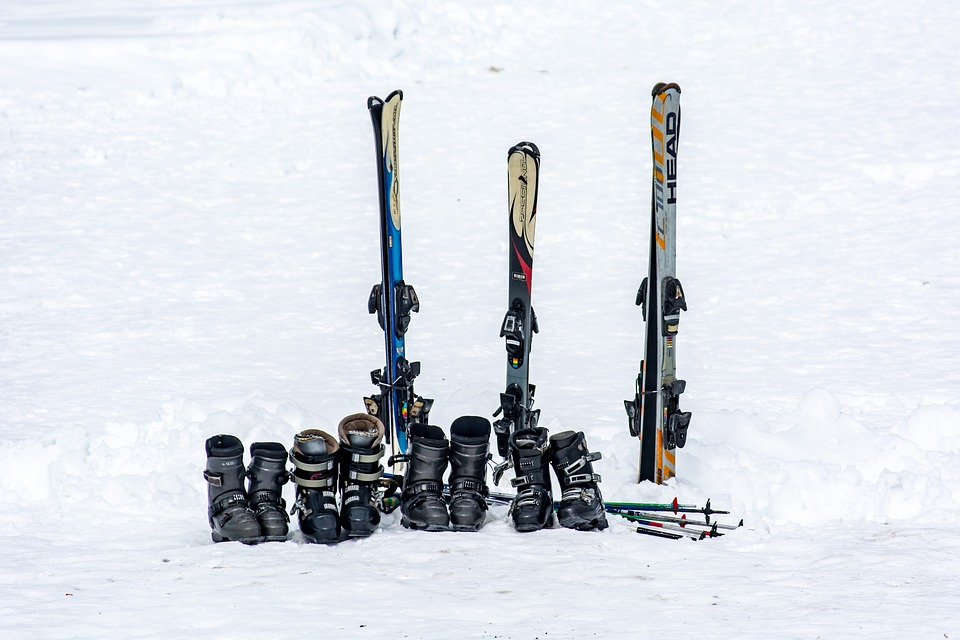 Transport Your Family Ski Equipment This Winter