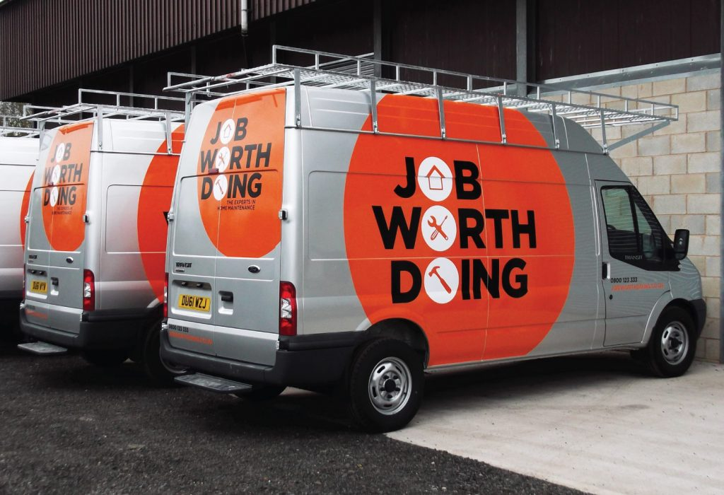 Promote Your Business with Attention-Grabbing Fleet Branding Graphics